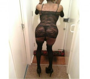 Leonarda escort girl Norfolk, VA